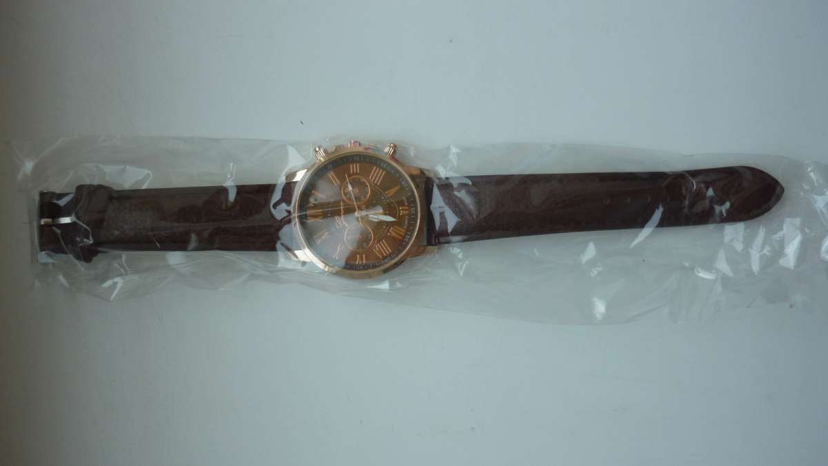... Мода и стиль Карловка · Наручные часы Карловка. Следующее. Продам  жіночий годинник 9d35593a8daae