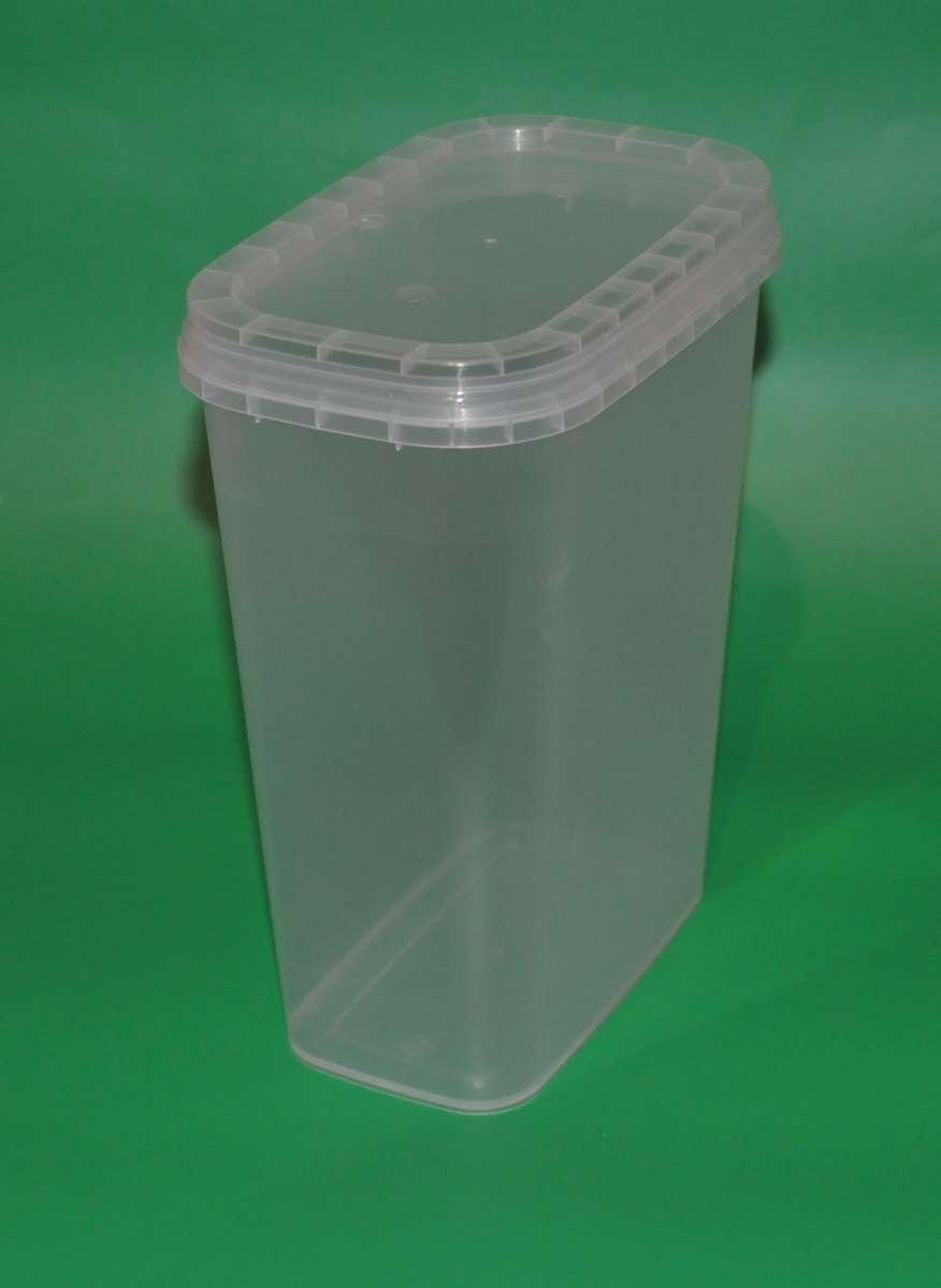 Пластиковый пищевой контейнер прямоугольный с крышкой 1,36л