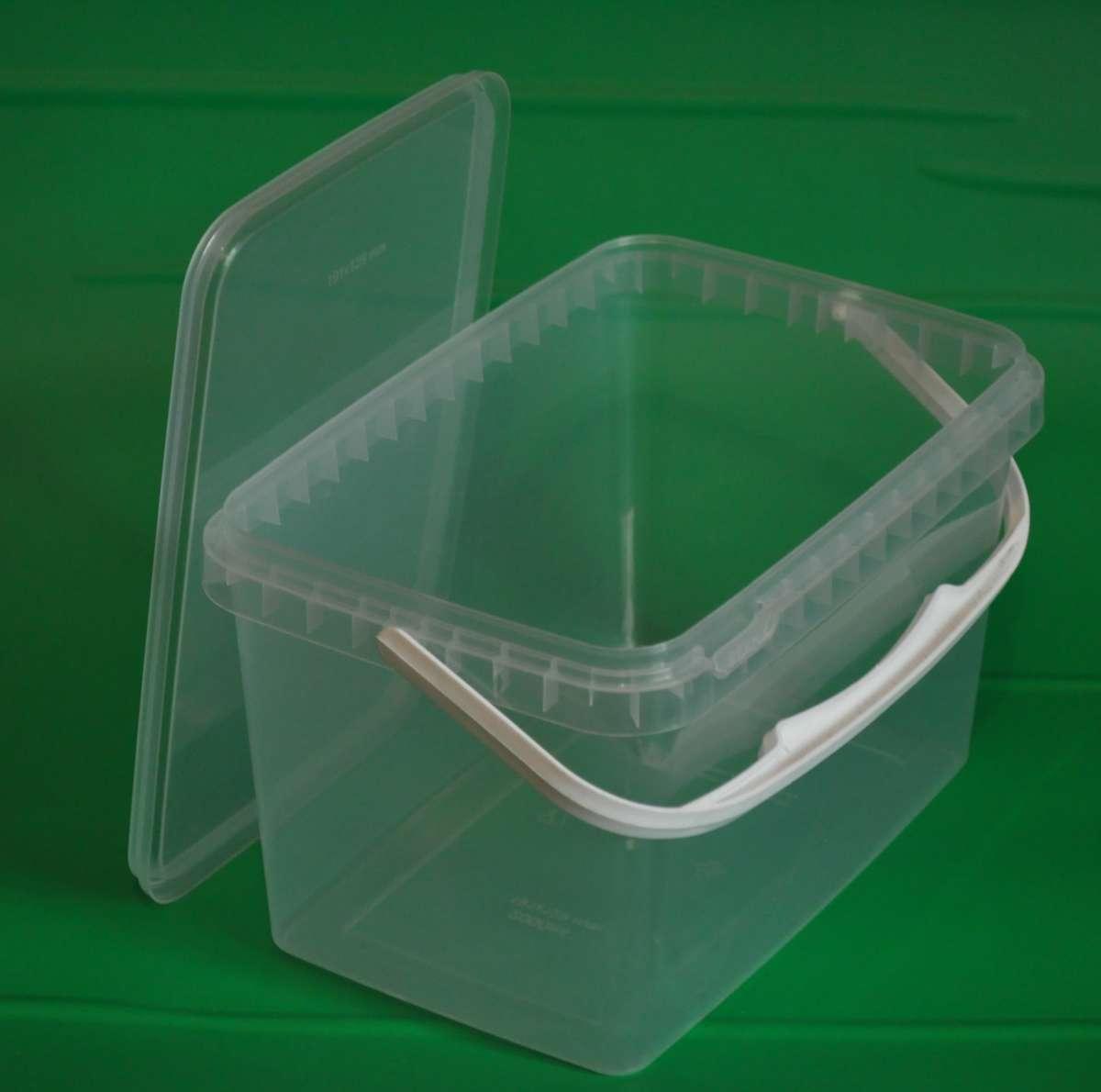 Пластиковый пищевой контейнер прямоугольный с крышкой 2л