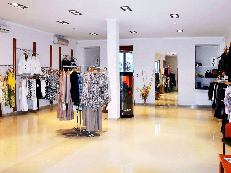 Торгово-офисный особняк в центре Подола