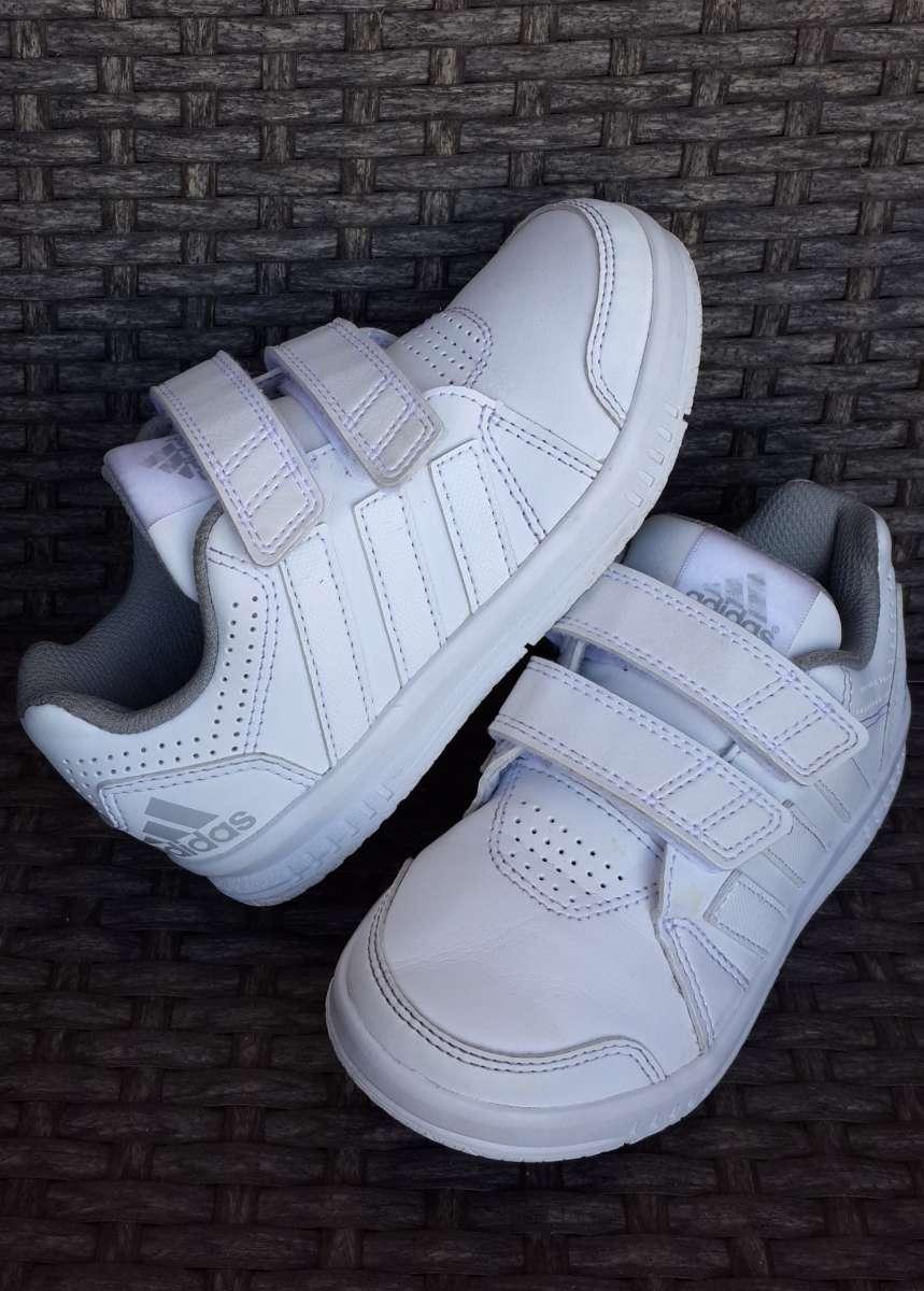 3814a79ba2c182 Кроссовки Adidas (оригинал) 27-28 р.: 620 грн - дитячий світ, дитяче ...