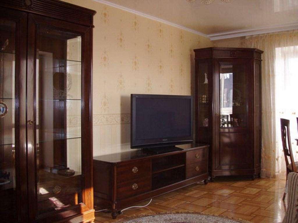 Раздельная 2-комнатная на Лейпцигской, метро Печерская