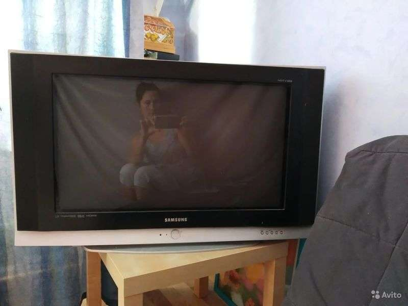 "Куплю рабочий телевизор ""Samsung"" шир. (""32 ;100гц )"