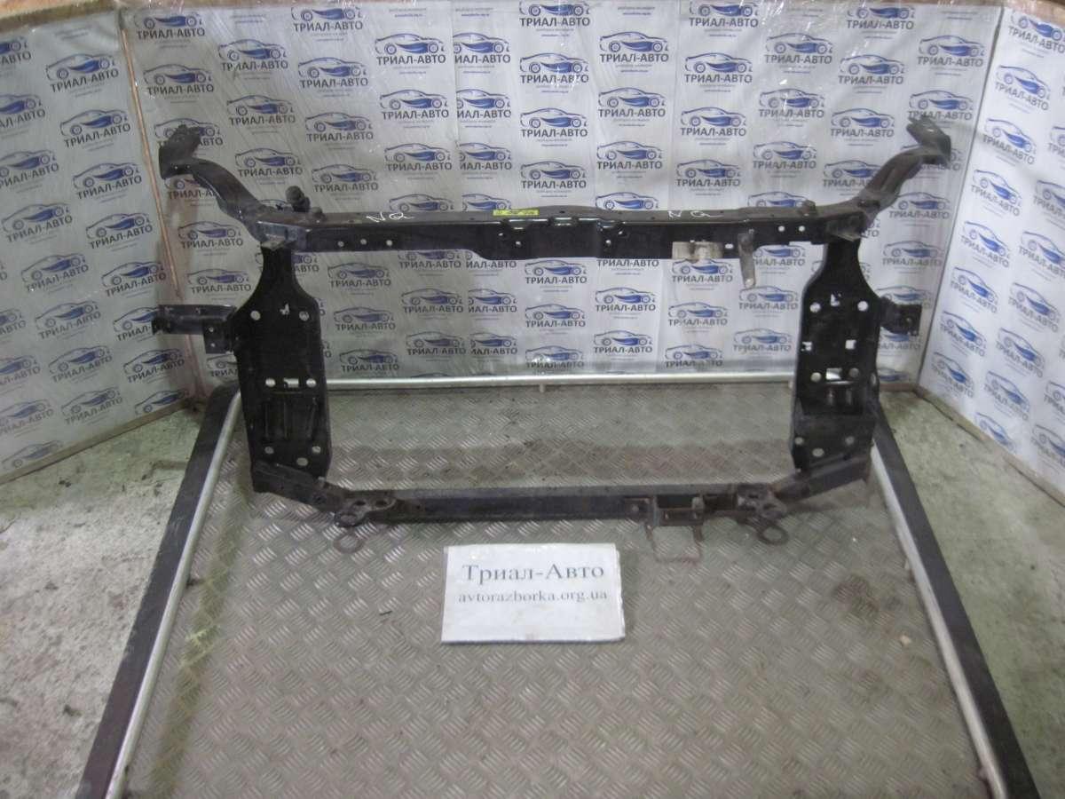 переднюю панель Nissan Qashqai