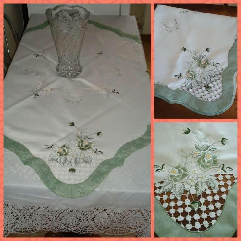 Скатерть белая ажурная с зеленой тканевой окантовкой