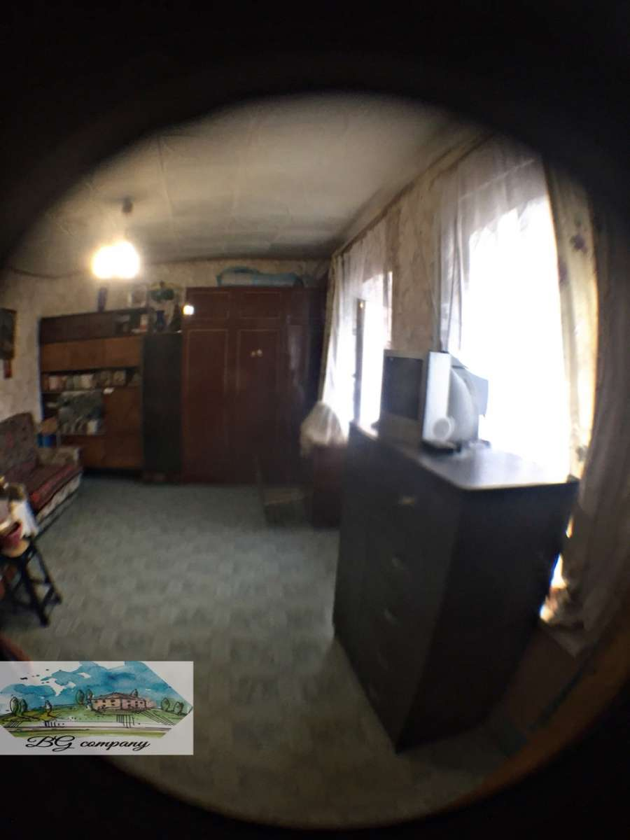 Продам 1 комн квартиру в центре под косметический ремонт