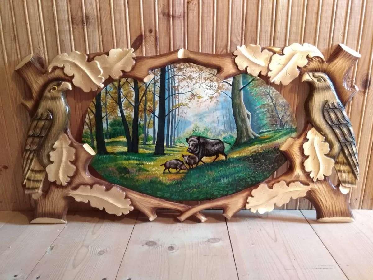Картинка на дереві олійними фарбами кабан в лісі з кабанчиками кабани