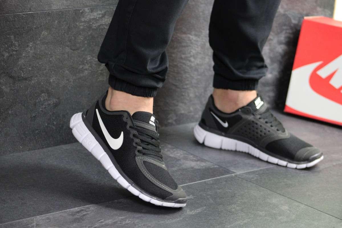 Мужские кроссовки черные с серым и белым Nike Free Run 5.0 7672