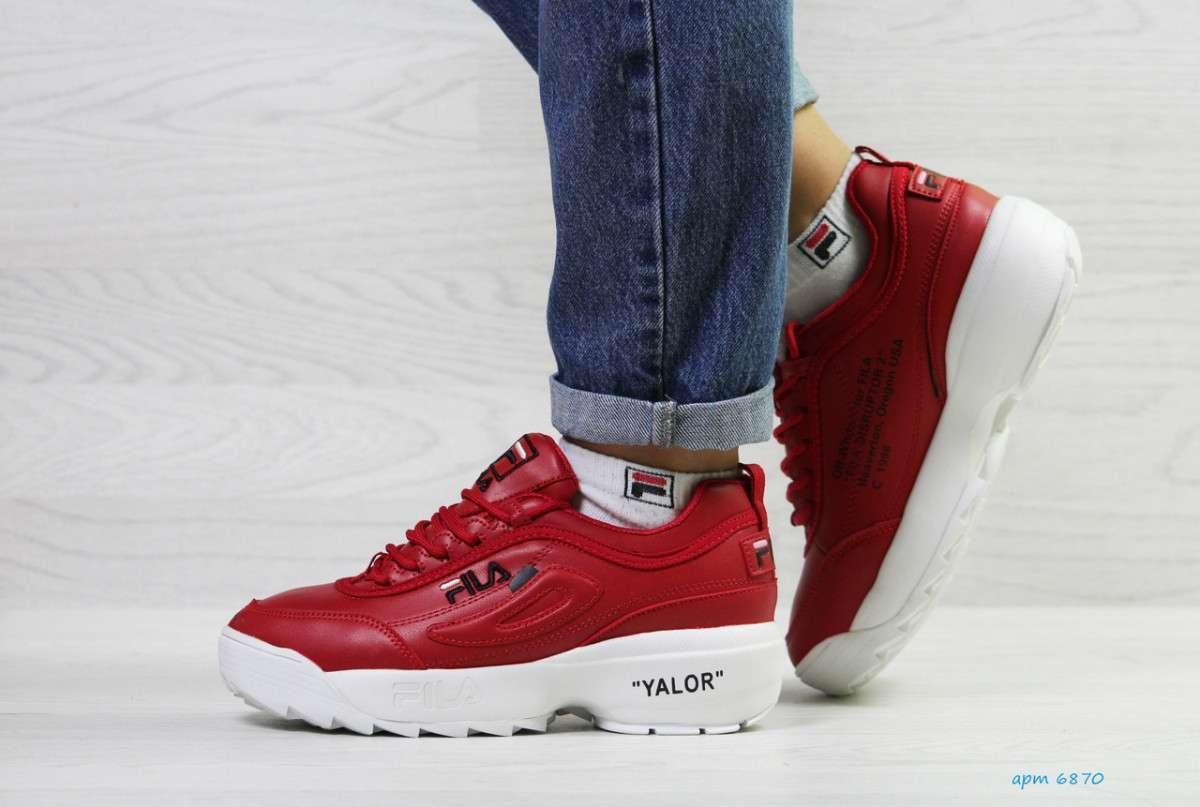 Женские зимние красные кроссовки Fila 6870