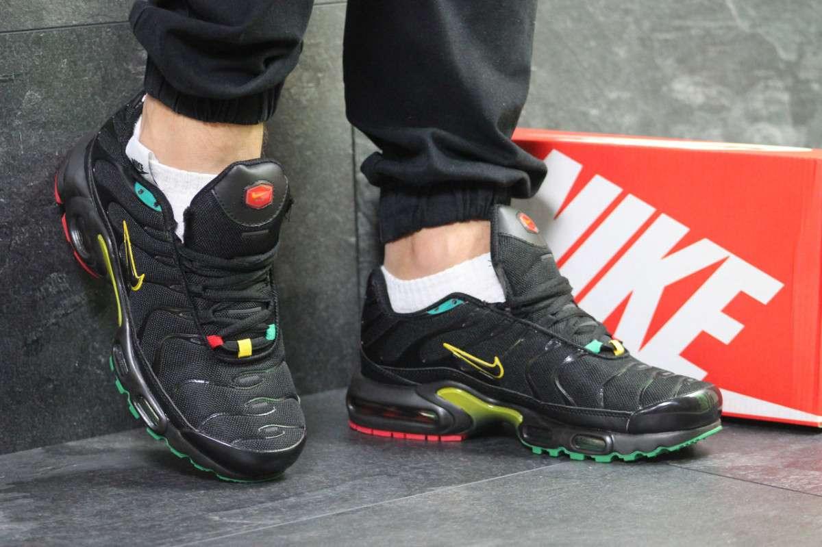 Кроссовки мужские черные с желтым Nike Air Max 95 TN Plus 6132