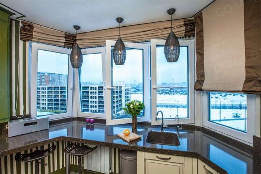 Примеры штор для эркерного окна на кухне? фото?.