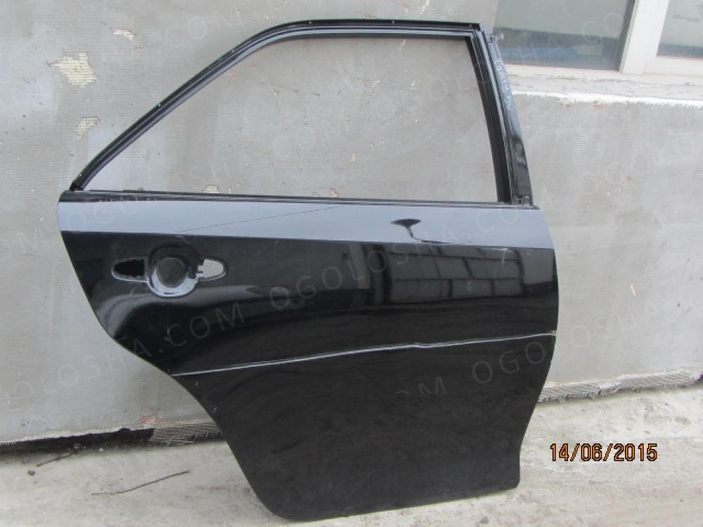 Задняя правая дверь на Toyota Camry 50 2011 года