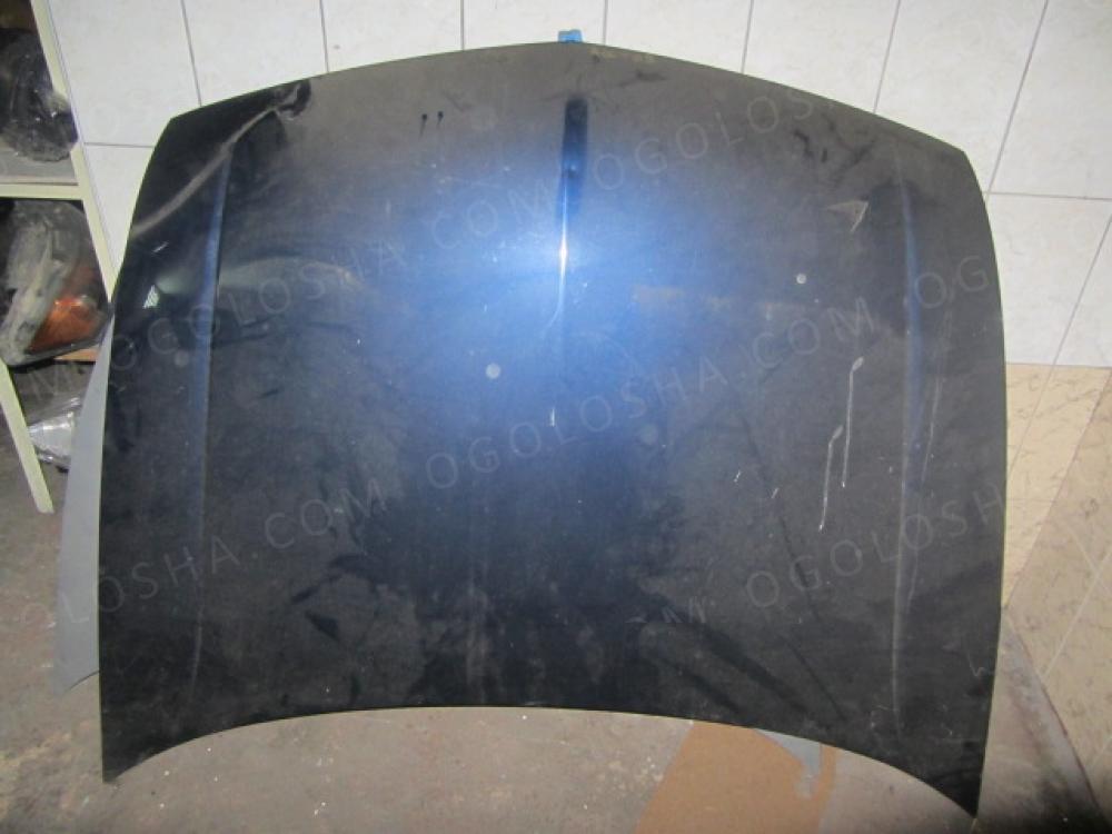 Капот на Honda Accord 2009 года