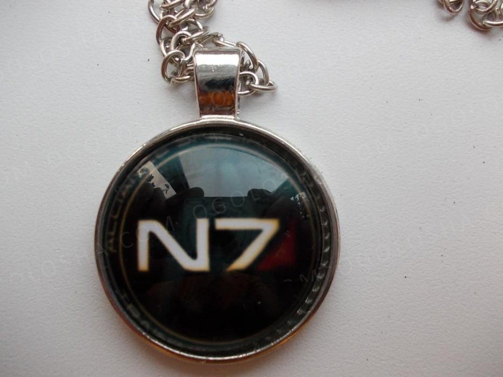 Медальон Mass Effect N7