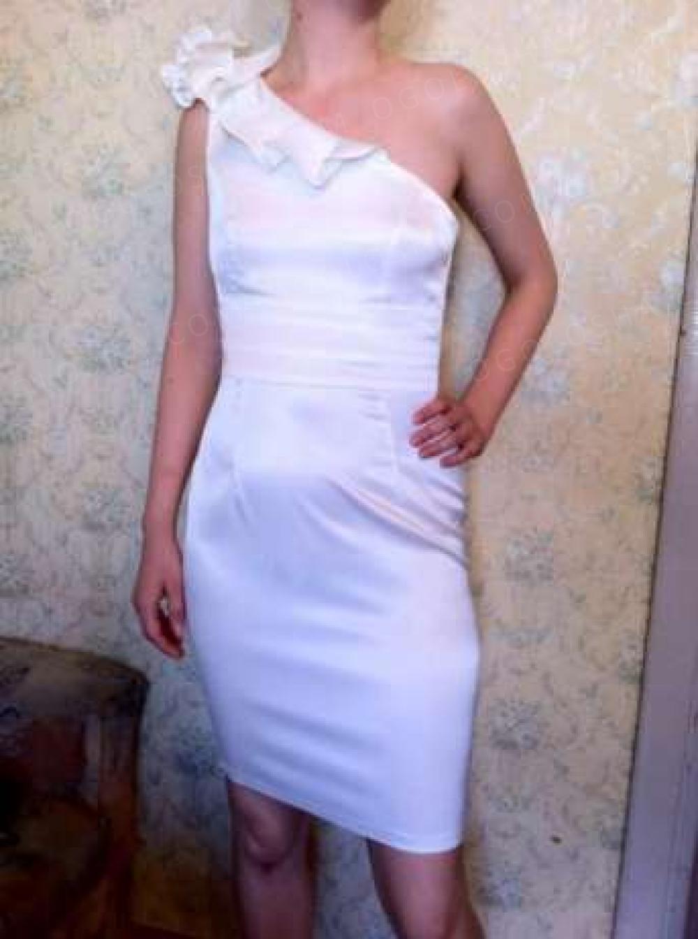 Продам красивое коктейльное платье =)