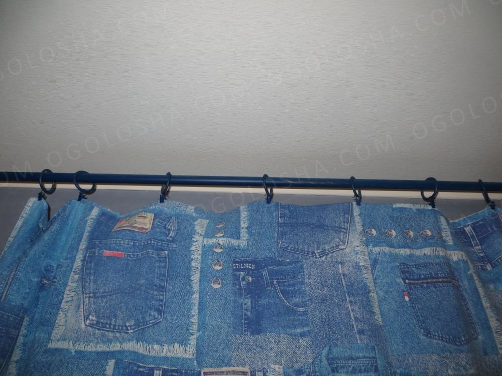 Карниз синий, металлический с кольцами. 2 метра, диаметр 2 см.