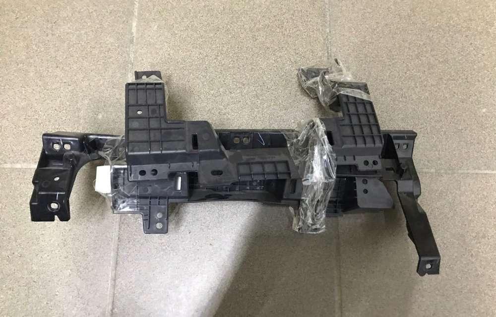 Кронштейн пластик панель торпеда Nissan Leaf  13-17 682003NF0A