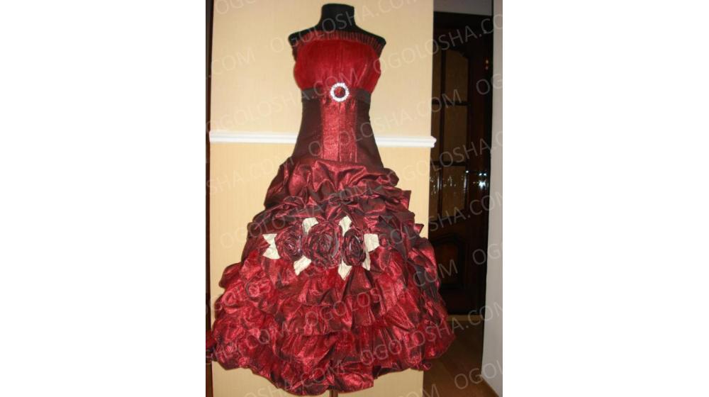 Вечернее коктейльное платье с корсетом