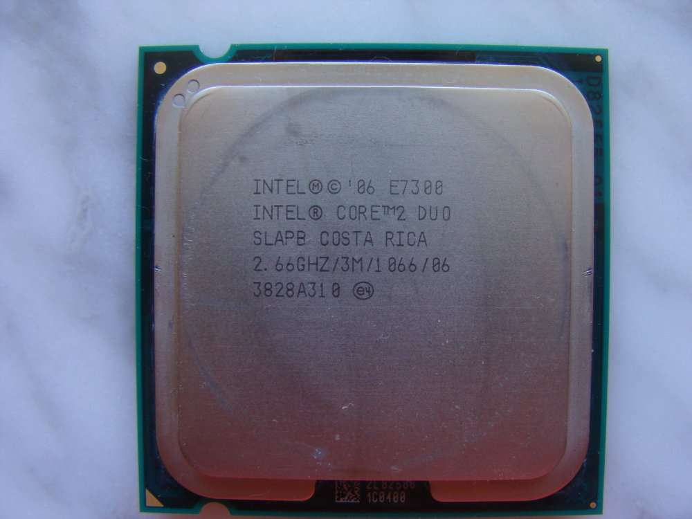 Процессор Intel Core 2 Duo E7300 2.66/Ghz/1066MHz/3M