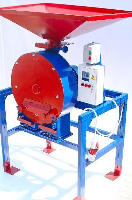 Зернодробилка ДКУ на 11 кВт до 2100 кг.час Кормоизмельчитель,Кормосмес