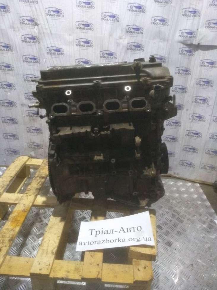 Двигатель в сборе без навесного на Toyota RAV 4