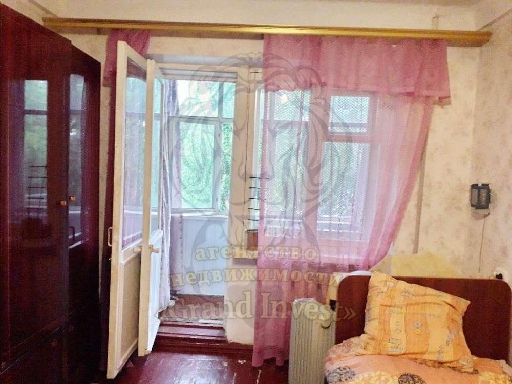 1-но комн. на ХБК в кирпичном доме, средний этаж