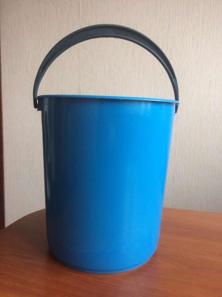 Продам пластмассовые цветные ведра 6 литров