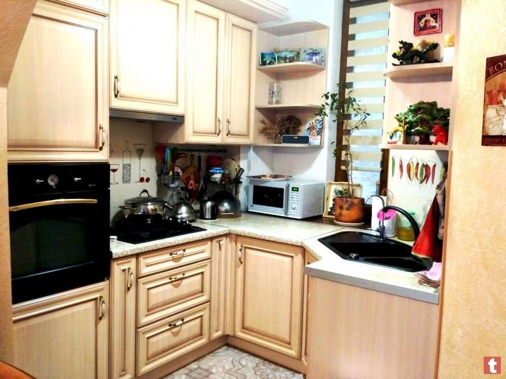Продам 2-х комнатную квартиру с капитальным ремонтом, мебелью и техник