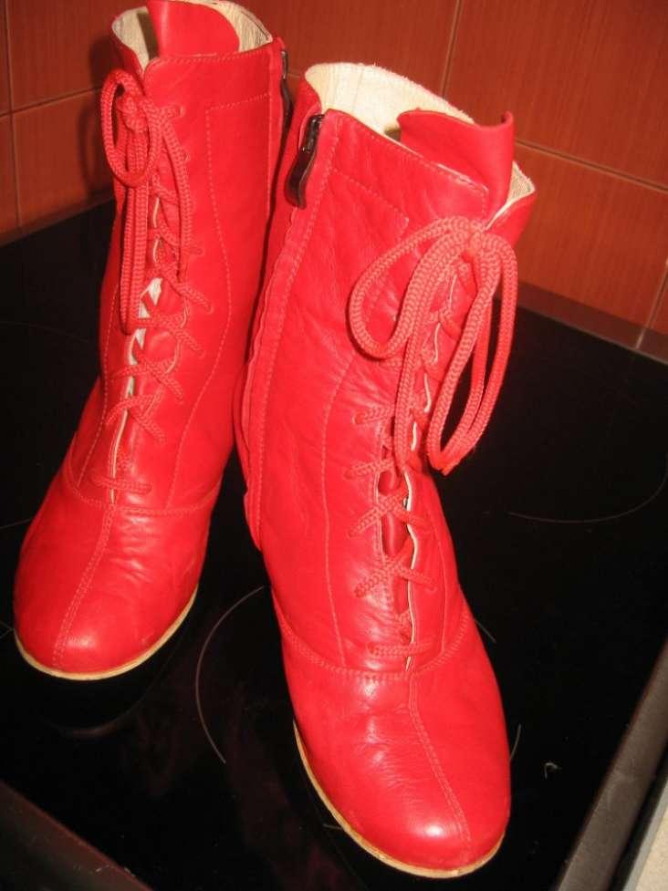 Червоні черевички  Договорная - Мода и стиль   Одежда  обувь Киев на ... b924bddc1d192
