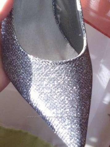 Туфли вечерние с серебряным напылением.