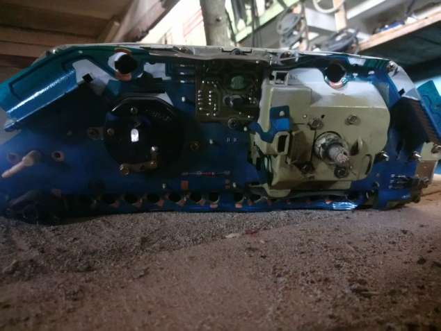 Приборная панель Audi 100 81117317 81 117 317. - зображення 3