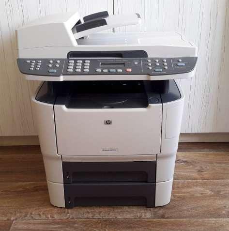 МФУ HP 2727nf в идеальном состоянии.