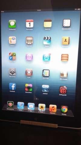 Продам Apple iPad  32Gb WI-FI + подарок.