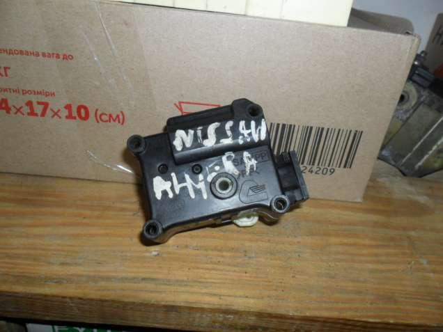 Моторчик заслонок печки Ниссан Альмера, Nissan 2K44030860, оригинал