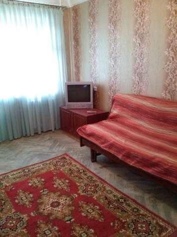 Продам комнату в 2х комнатной коммунальной квартире на Борщаговке
