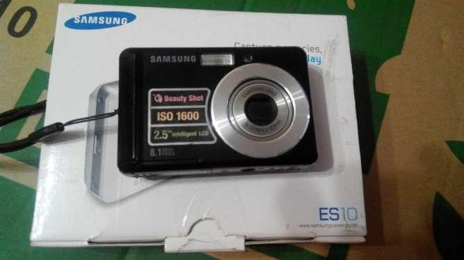 Фотоаппарат, видеокамера Самсунг Samsung ES10