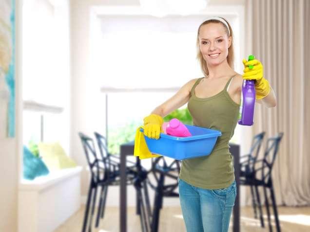 Уборщица девушка в маркетинговою компанию