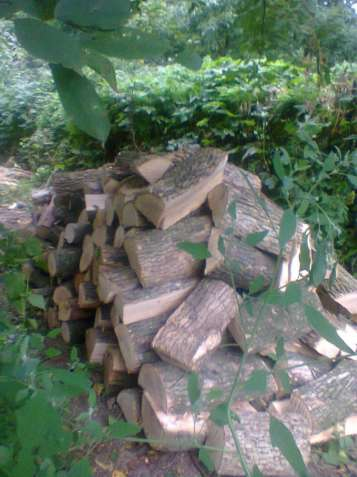 колка дров, распиловка брёвен