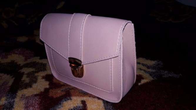 Миниатюрная сумочка-клатч