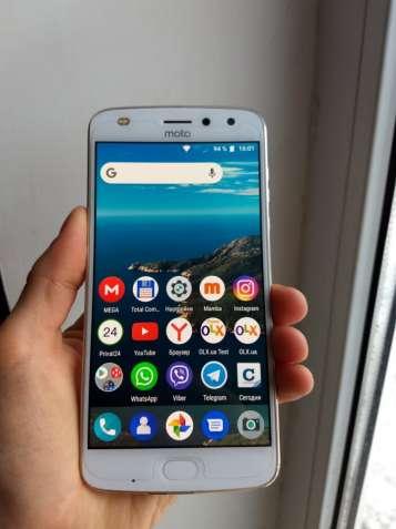 Motorola Moto Z2 Play.(GSM-CDMA)
