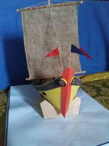 """Модель африканской лодки""""Мтепе""""."""