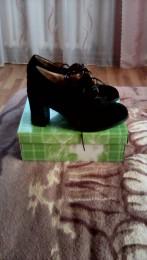 Нові туфлі модні фірмині title=