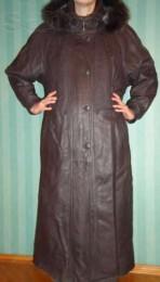 Обмен- кожаное пальто в отличном состоянии р. 48-50