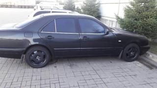 Продам Mersedes-Benz E280, W210