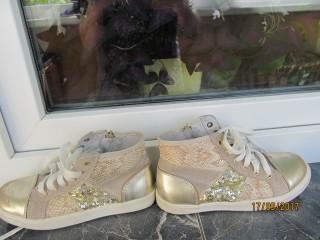 Кожаные кроссовки stapp,туфли ,ботинки на девочку.31р. Сделать горячим title=