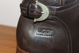 Осінні чоботи UGG  1 450 грн - Мода и стиль   Одежда  обувь Ивано ... 900247017a791