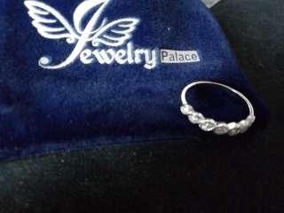 Серебряное кольцо с цирконием 17,8 мм, мешочек в подарок title=