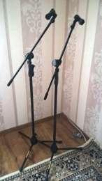 Продам две стойки для микрофона HERCULES title=