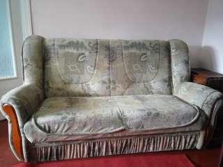 Продається диван розкладний,стан майже нового title=