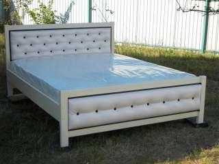 Дерев'яні ліжка title=